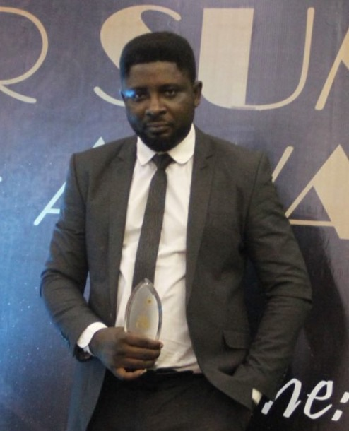 Edward Sunday Wins '' Entertainment Personality of the Year '' at CSR Summit Awards 2015