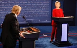 Race to White House 2016 : Clinton and Trump Face-Off on Foreign Policy, Economy, Gun Violence, Racist and Other at First Ever Presidential Debate
