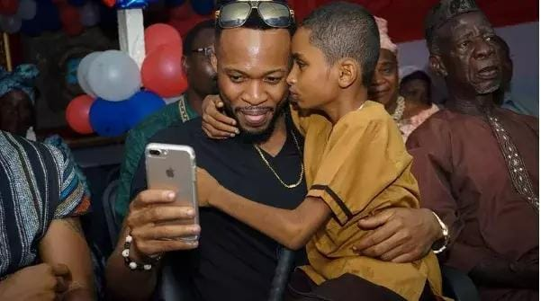 Liberian BLIND boy Semah G Weifur who sings Flavour's songs better than him