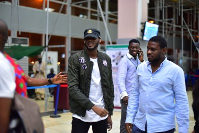 2face Spotted withou Bodyguard or Escort 01
