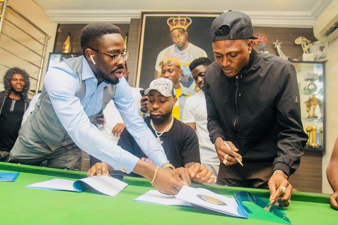Davido signs New Artist Idowest to DMW