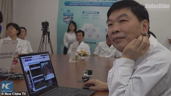 Meet Chinese Doctor Who Performs Remote Brain Surgery on Patient 3000km Away 00